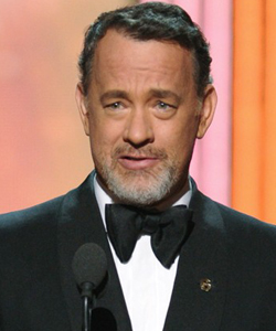 Tom Hanks at the 2012 Oscars ceremony wearing a Got Your 6 pin.